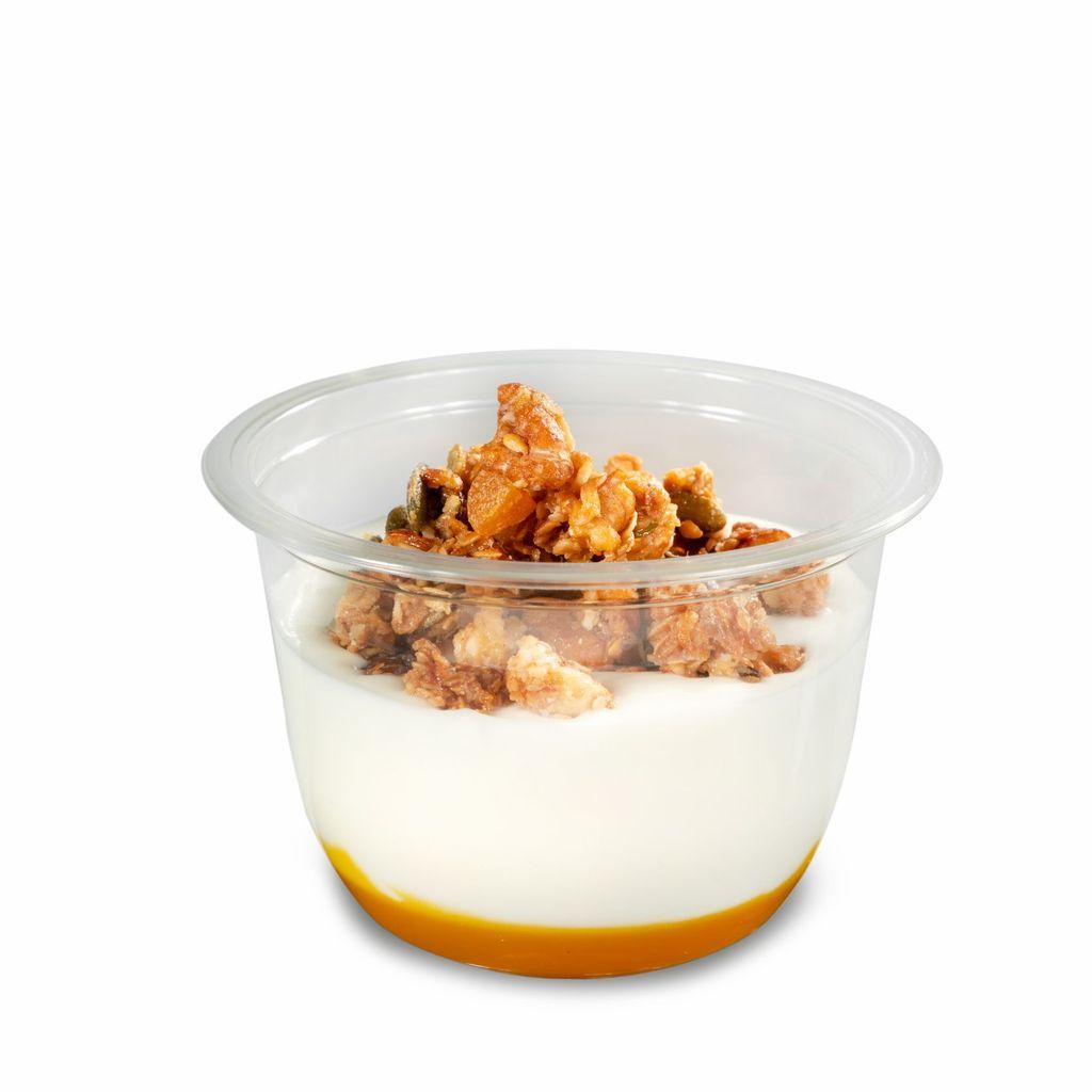 Yogurt estilo griego con coulis de mango