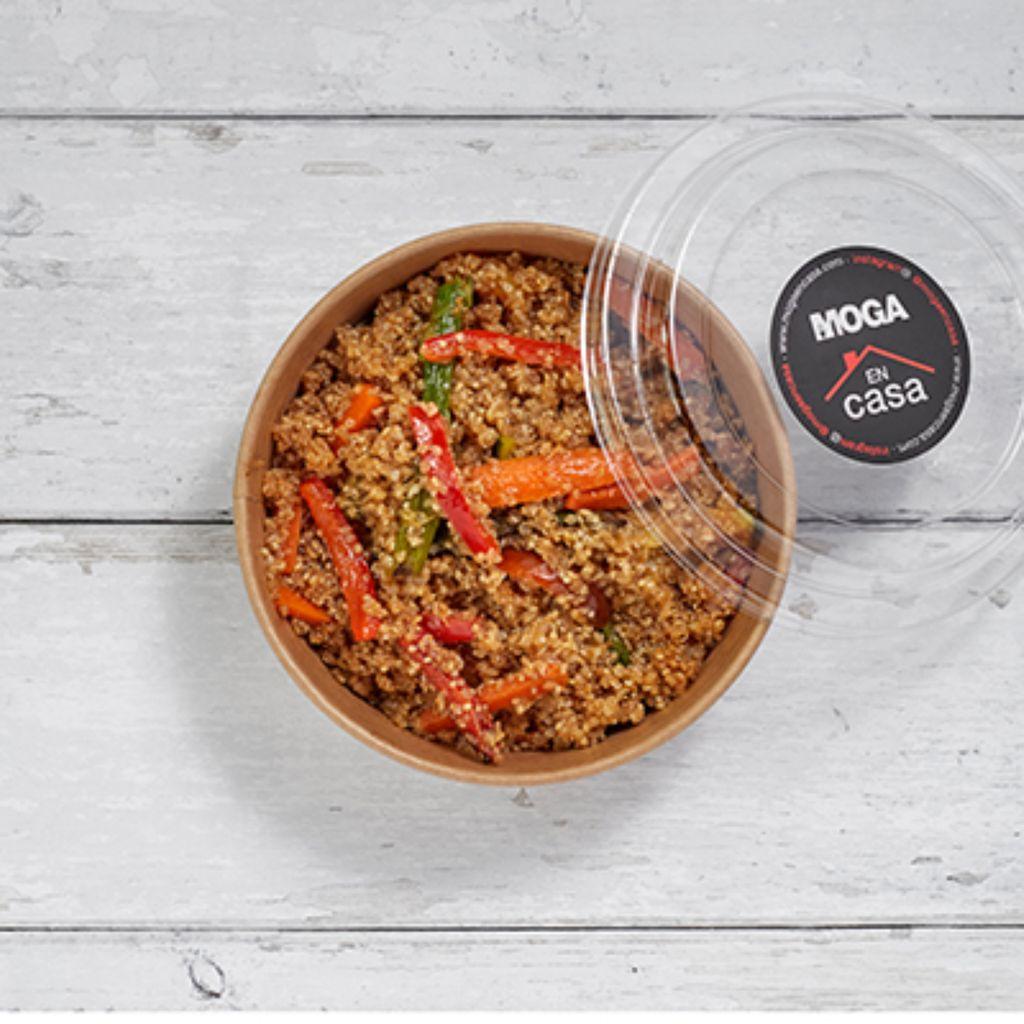 Quinoa salteada con verdura y salsa de soja