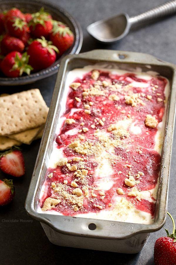 Helado de Cheesecake con frutas silvestres