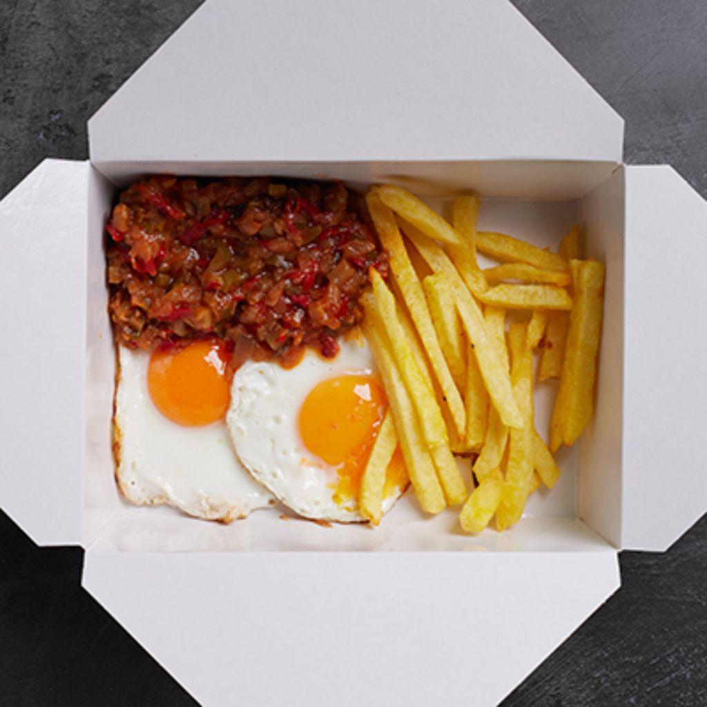 2 huevos fritos con pisto manchego